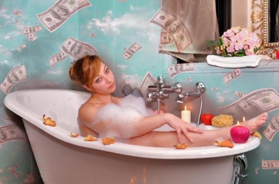 ванна из денег это приятно