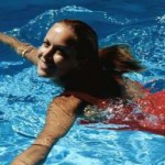 Плаванье в бассейне  полезно для здоровья