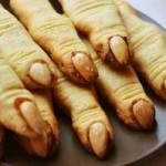 Празднуем Хэллоуин: рецепт печенья «Ведьмины пальчики»