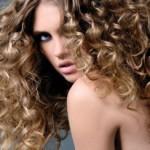 Кудрявые длинные волосы: уход и укладка