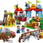 Разнообразие игрушек радует глаз малышей!