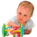 Выбираем развивающую игрушку для ребенка 6-12 месяцев