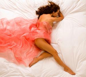 позы во время сна значение
